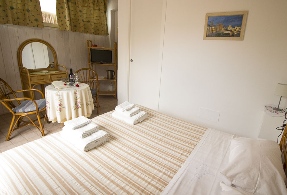 Ninfa_appartamento_noto_monolocale_Noto Sole di Sicilia_ casa vacanze_noto_marina_calabernardo_sicily holydays_2_3