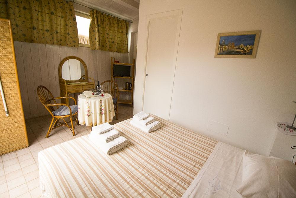 Ninfa_appartamento_noto_monolocale_Noto Sole di Sicilia_ casa vacanze_noto_marina_calabernardo_sicily holydays_2_4