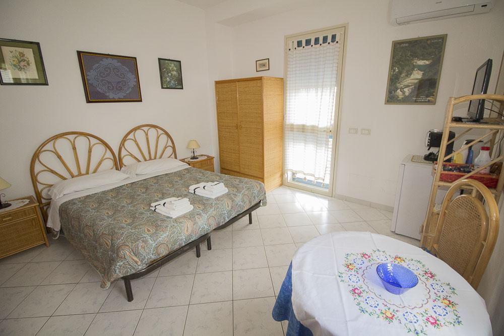 Sirena_camere_a_noto_marina_monolocale_Noto Sole di Sicilia_ casa vacanze_noto_marina_calabernardo_sicily holydays_2_11