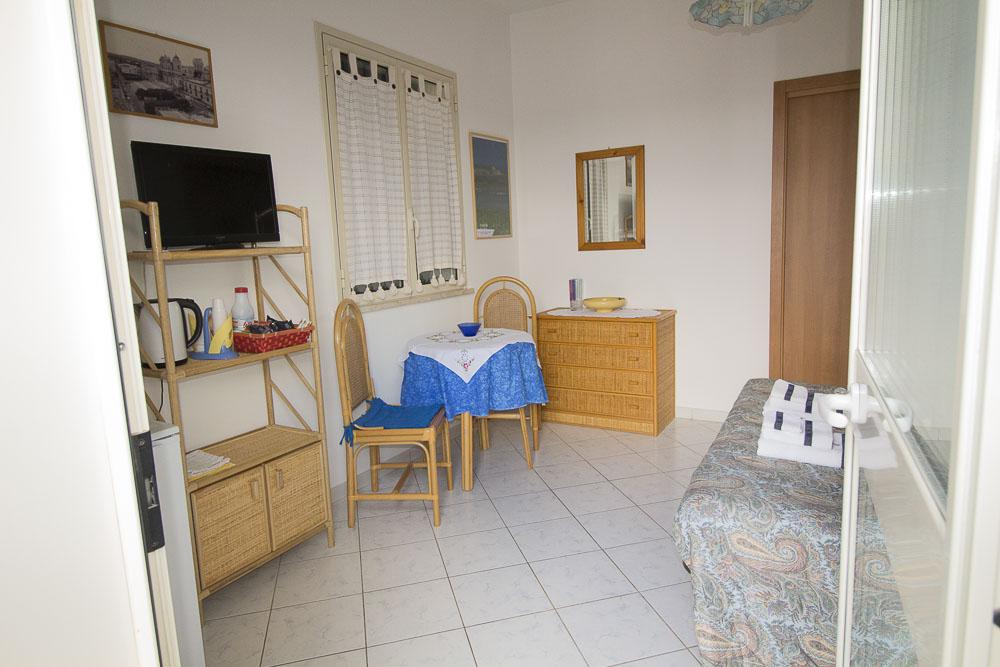 Sirena_camere_a_noto_marina_monolocale_Noto Sole di Sicilia_ casa vacanze_noto_marina_calabernardo_sicily holydays_2_12