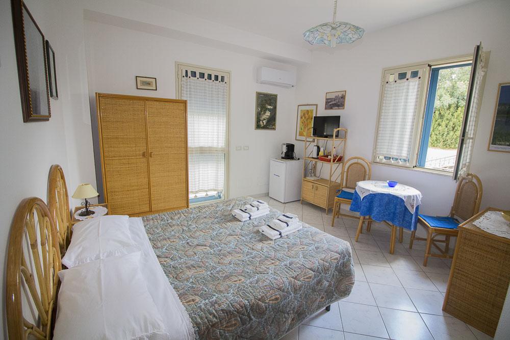 Sirena_camere_a_noto_marina_monolocale_Noto Sole di Sicilia_ casa vacanze_noto_marina_calabernardo_sicily holydays_2_2