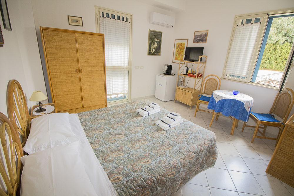 Sirena_camere_a_noto_marina_monolocale_Noto Sole di Sicilia_ casa vacanze_noto_marina_calabernardo_sicily holydays_2_7